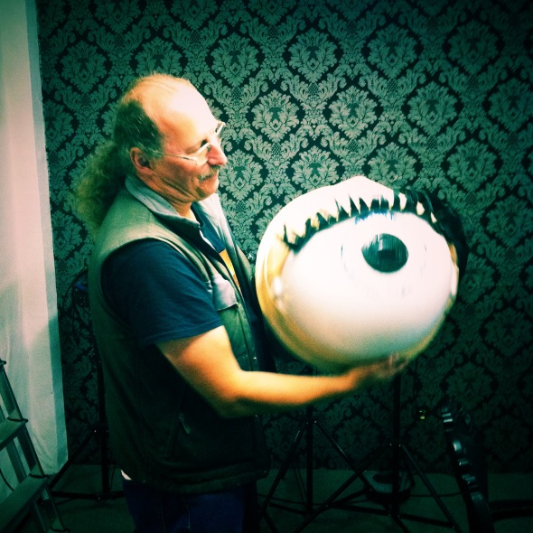 "Man and dustbin in perfect harmony. Justin Quinnell and the ""eye-scura""."