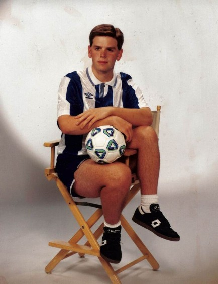 sit-with-it-like-beckham-434x565